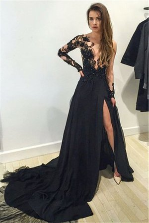 Machen Sie Ihre eigenen schwarzen Abendkleider so, wie Sie möchten ...