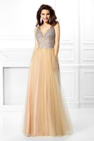 cba51443c52965 Einige der schönsten Kleider sind elegante lange Kleider, die für  Abendgesellschaften und gesellschaftliche Veranstaltungen getragen werden.